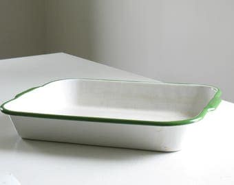Vintage Green and White Enamelware baking pan / enamel cookware bakeware casserole dish / rustic farmhouse kitchen decor