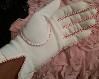 Vintage, Sassy Gloves in White with Pink Stitching