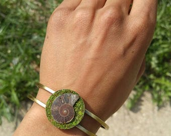 Handmade Nature Jewelry Eco Friendly Sustainable Jewelry Moss Plant Jewelry Brass Cuff Bracelet Ammonite Jewelry Mens Jewelry Women Bracelet