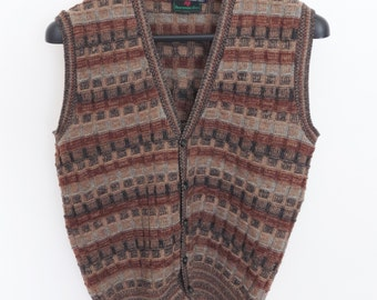 Size XL - 1980's vintage Crossings for Abercrombie & Fitch 100% wool sweater vest
