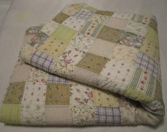 GORGEOUS Vintage Shabby Cottage Chic Patchwork Quilt ~ ROSES