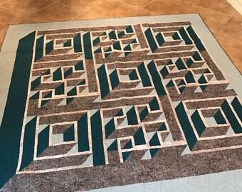 """Labyrinth Homemade Quilt 82"""" x 82"""""""