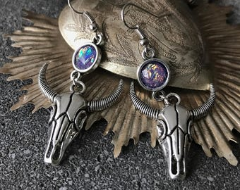 Earrings of Bull skull and iridescent purple cabochon - wicca - magical