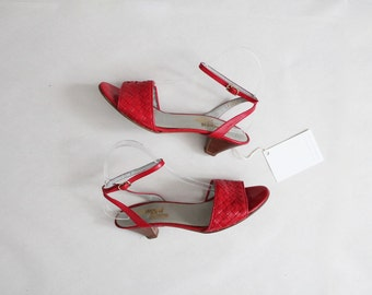 70s red strappy sandals | size 6.5 7 red sandals | size 6.5 shoes
