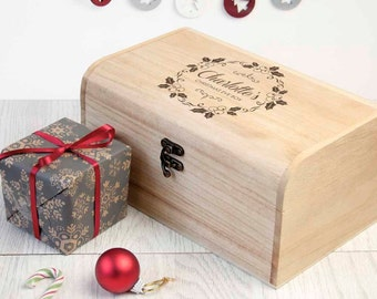 Personalised Christmas Eve Chest With Mistletoe Wreath - S - Christmas Eve Box - Children's - Night Before Christmas Box - FREE UK DELIVERY