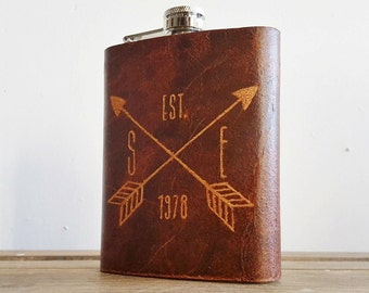 Personalised Leather Hip Flask Crossed arrows monogram Customised genuine leather flask Personalised rustic hip flask Leather flasks for men