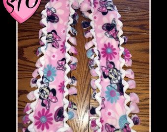 "Handmade Fleece SCARF Pink Minnie Mouse with Flowers with White Back w/ Border No Sew Soft & Cozy 4""x54"""