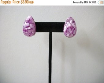 ON SALE Retro 3D Effect Lucite Clip On Earrings 110316