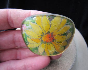 Vintage Plastic Yellow Floral Pin