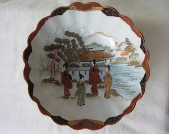 Quality antique Japanese porcelain small bowl, well painted, signed