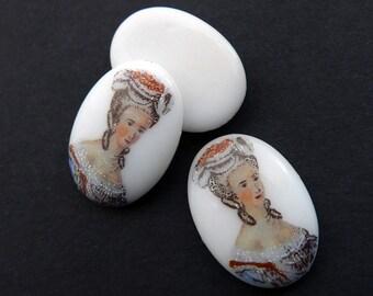 """Marie Antoinette """"porcelain"""" cabochon cameo, Germany, 18x13mm 4 pcs E15-3"""