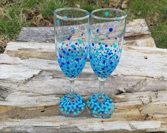 Teal blue confetti champagne flutes, blue teal confetti polka dot champagne flutes, wedding toasting flutes, wedding champagne glasses