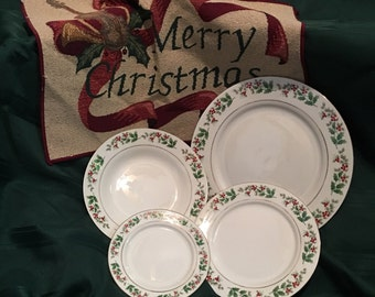 Vintage Gibson 1980s holly berry dinner set