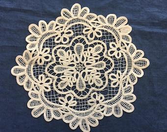 Lace Doily, Vintage Cream Battenburg Table Doilies Round Home Decor Lace Doilie Wedding Gift Dresser Scarf Housewarming Gifts Decor