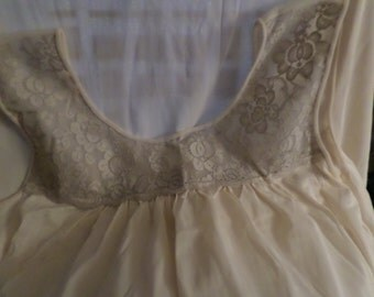 "Lingerie Lorraine nighty Nightgown size Large woman's Vintage Rn 3442 cold light peach 38"" Length ECU beige brown lace"