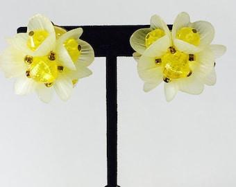 Vintage Lemon Custard West Germany Earrings/Vintage Collectable Yellow Earrings/Vintage Yellow Cip-on Earrings/Yellow Costume Jewelry