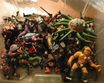 Gigantic Lot of Vintage Dungeon & Dragons Figure Lot