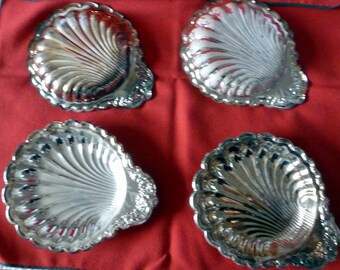 VINTAGE - NIB Silver Plated Shell (Scallop) Candy Dish Set of 4