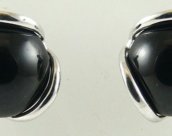 Black Onyx 7.8MM Earring 14k White Gold