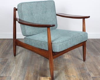 SOLD*** please do not purchase Vintage Mid Century Lounge Chair