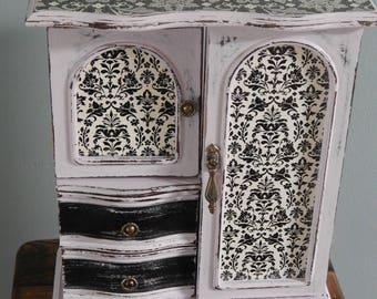 Jewelry Box,Vintage,Tan,Great gift,Mom,Daughter,Sister,Grandma,Aunt,Friend