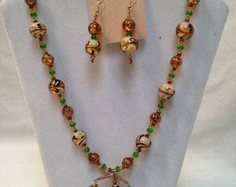New Handmade Lovely Amber Swirled W/ Green & Brown Beaded Art Glass Necklace Set W/ Spider Pendant