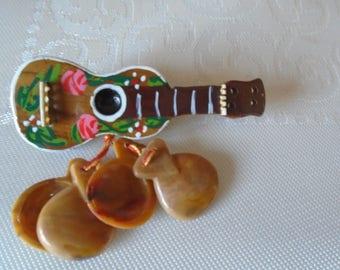 guitar and casternets  vintage brooch souvenir  Spain