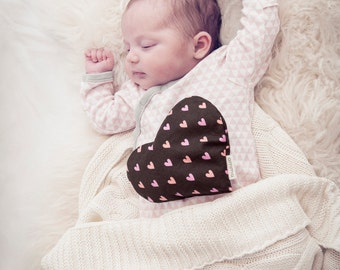 Little heart (therapeutic compress) hearths dark brown & pink