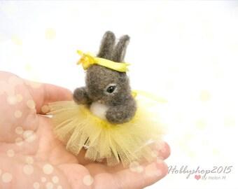 Dollhouse Needle felted animal Handmade  felt Bunny Needle felted Rabbit animals Bunny  Easter bunny Miniature  Bunny doll Tiny  Doll house