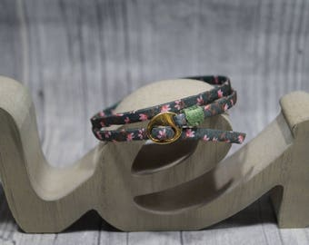 Wrap bracelet flowers