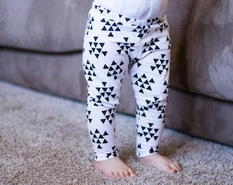 Triangle Baby Leggings, Triangle Baby Headband, Baby Leggings, Baby Headband, Baby Outfit, White Baby Leggings, White Baby Headband,