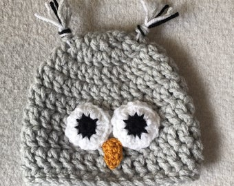 Grey owl beanie hat - 6-12 months baby - handmade crochet item - boy or girl