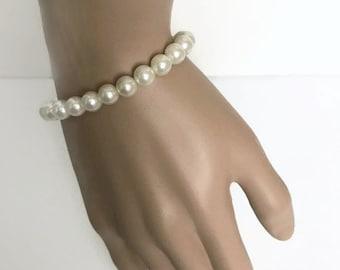 Vintage  Classic Faux Pearl Bracelet