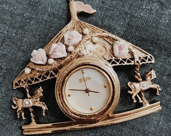 Delicate Carousel Brooch