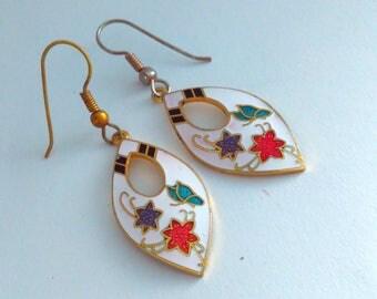 Vintage cloisonne earrings, white cloisonne drop earrings, vintage cloisonne jewelry, cloisonne, cloisonne drop earrings, cloisonne earrings
