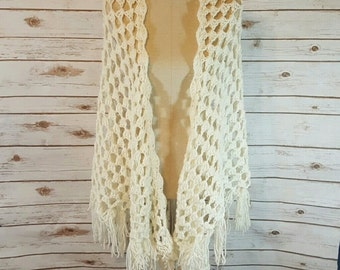 70's Hand crocheted shawl, Large