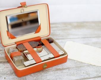 Vintage orange leather vanity case - Travel vanity set, Small vanity case - Vintage travel, vintage beauty - Vintage leather