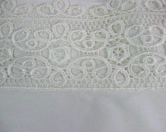 Vintage Lace Trim Full Flat Sheet and 2 Pillow Cases, 250 Thread Count Cream Bed Linens
