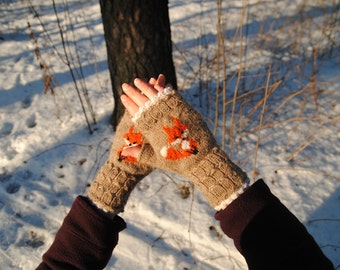 Foxy mitts