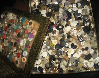 Old Tin Box Full of Buttons/Lots of Buttons for Crafts