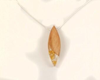 Necklace-pendant wood-ash - Inclusion leaves of gold-form of sheet-calendar Celtic-unique piece