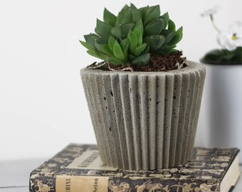 Concrete Pot - Botanical Gift - Housewarming Gift - Gift For Her - Concrete Decoration - Plant Pot - Indoor Plant Pot - Industrial