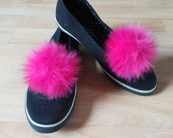 "Pair of Pom Pom Shoe Clips Hot Pink Faux Fur 4"" / 10 cm pom pom"
