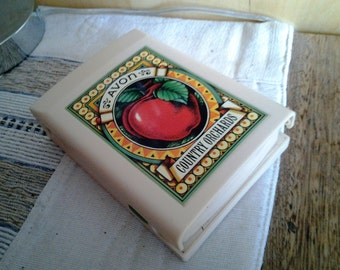 Compact Avon Country Orchard Scales - Vintage - 20% off