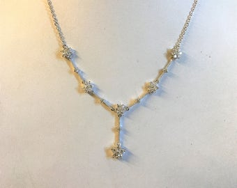 A Beautiful Sparkly Diamante Flower Necklace