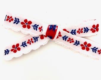 Ribbon bow || Vintage scallop