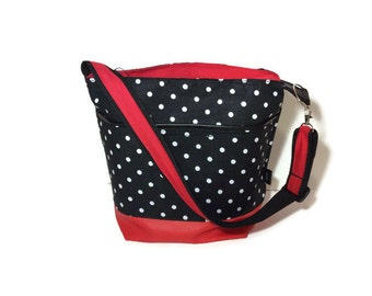 Very spacious waterproof lunchbag lunch bag lot of choice for the fabric extra wide with outside pocket and adjustable shoulder strap