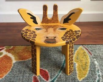 Giddy Giraffe Stool
