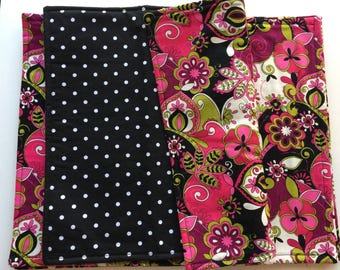 Magenta, green and black printed reversible placemats (set of 4)