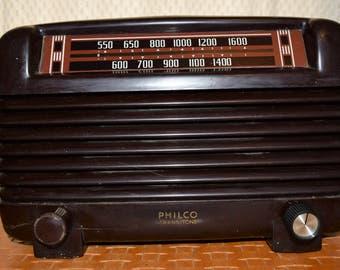 Vintage Philco Transitone Radio Model 46-250 with Bakelite Case 1940's